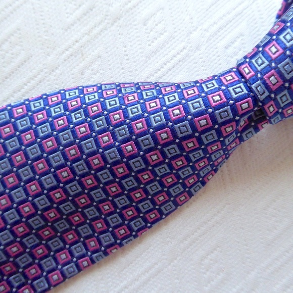 Brooks Brothers Other - BROOKS BROTHERS blue pink SILK STAIN Resistant tie